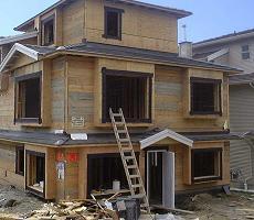 Una casa in costruzione, in molti acquistano appartamenti sulla carta