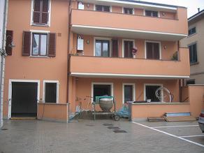 Lavori in corso in un complesso residenziale in costruzione