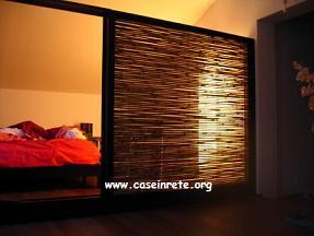 Un separe in stile etnico con canne di bambu