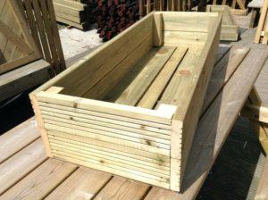 Come costruire una fioriera in legno